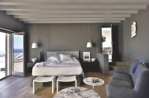 chambre-ouverte-sur-le-patio-et-la-terrasse_5074906
